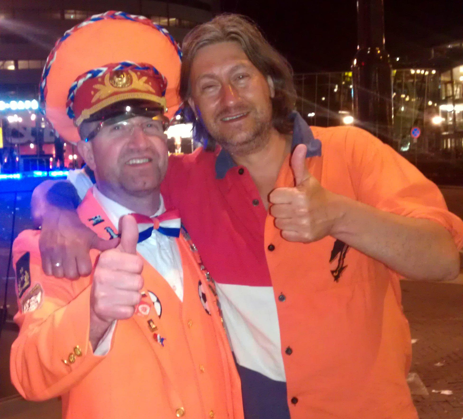 Kolonel Michael Boerop Oranje volkslied Voetbal Bier Bitterballen