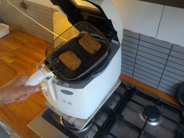 Bamihap frituren - Recept bamischijf - bamiblok