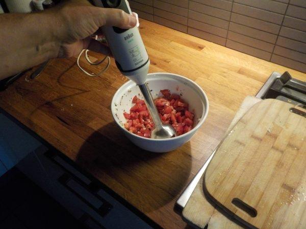 Basissaus tomatensaus piza pizzabodem
