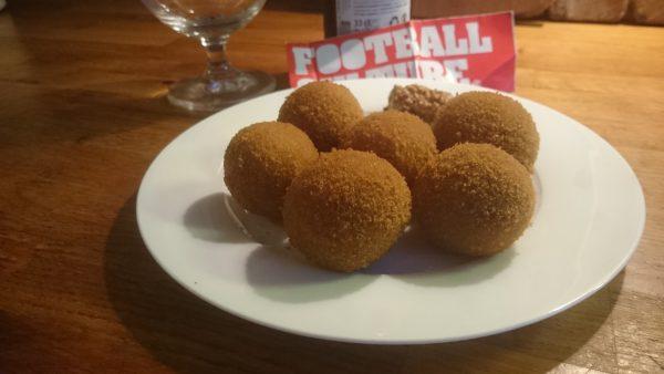 FC BierBitterballen met bier van FootballCulture