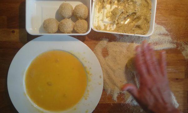 Kipbitterballen maken