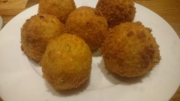 Aardappelbitterballen