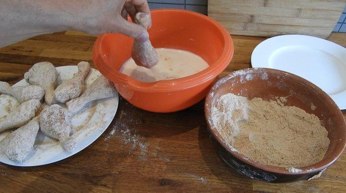 Michael's Fried Chicken - Gefrituurde drumsticks recept maken